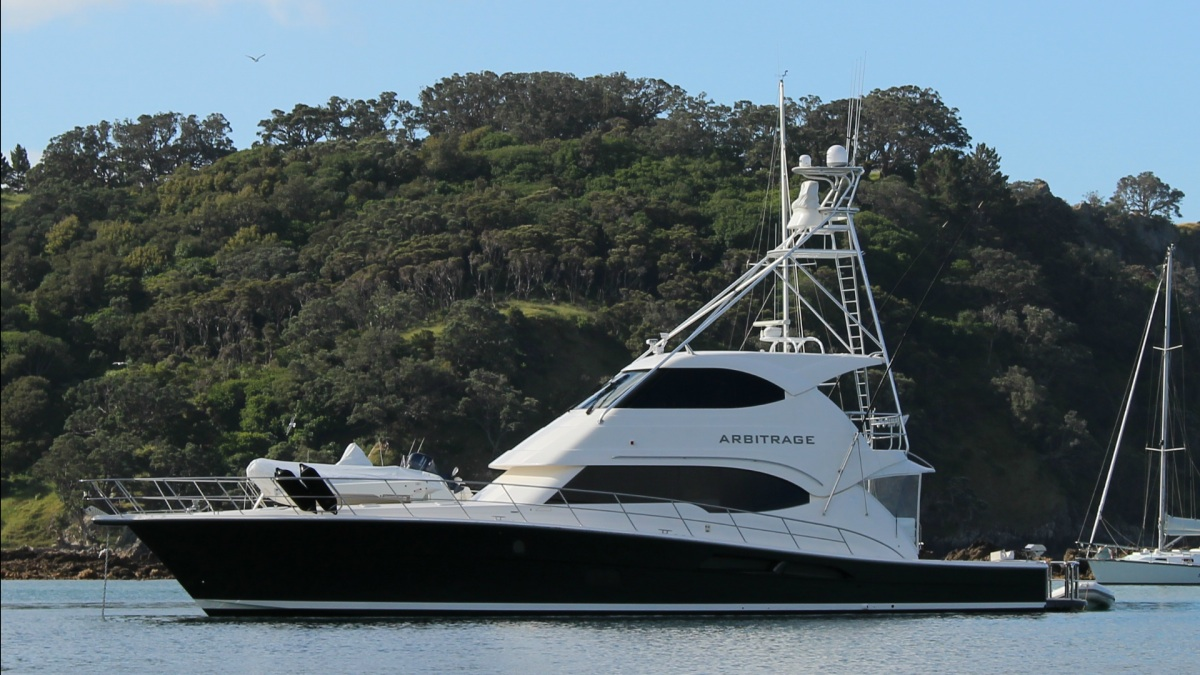 R Marine Flagship New Zealand Lists Riviera 70 Enclosed Flybridge