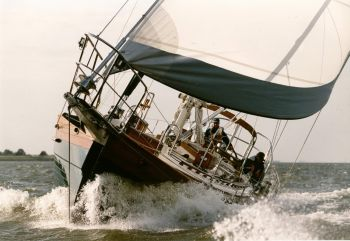 41T Hans Christian Sailing