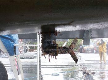 Dirty propeller not anitfouled