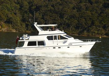 Hershine Voyage Motor Yacht Rowell Marine.jpg