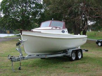 Ocean Yacht Sales Terrara motor launch.jpg
