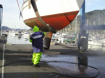 Regular cleaning of the hull is important